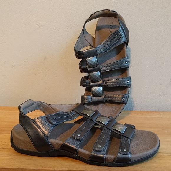 a73e25e4a345 Taos like new Cleopatra Strappy Comfort Sandals. M 5b538f04409c1549f81170f4